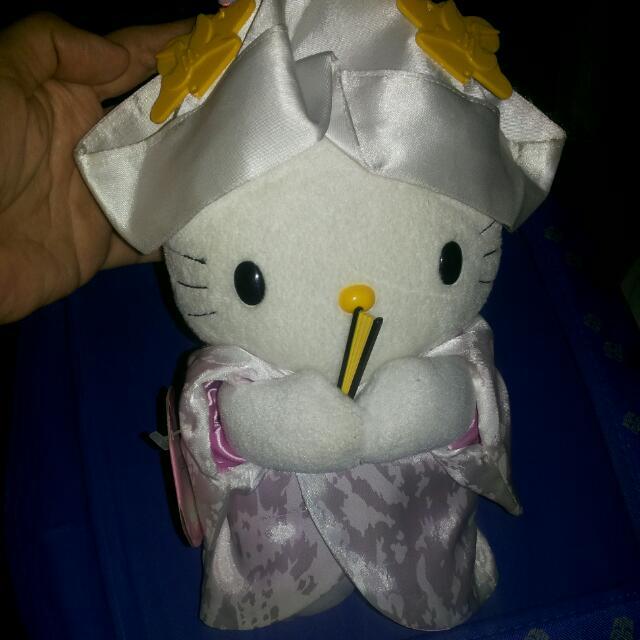 Hello Kitty Japanese Wedding