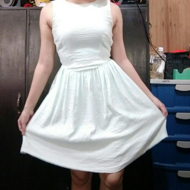 H&M Light green dress