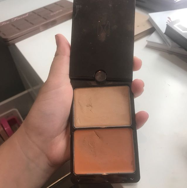 Hourglass highlight and contour kit