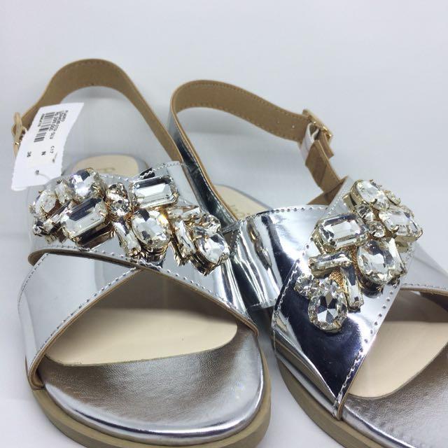 JUAL RUGI Fladeo Shoes
