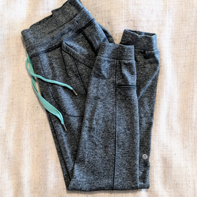 Lululemon Mid-Rise Pants (Size 4)