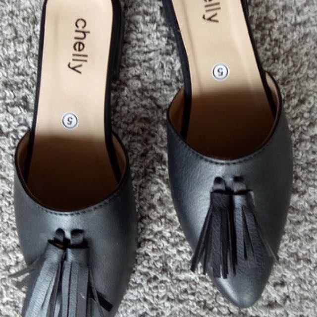 MADE TO ORDER: TASSLE FLATS