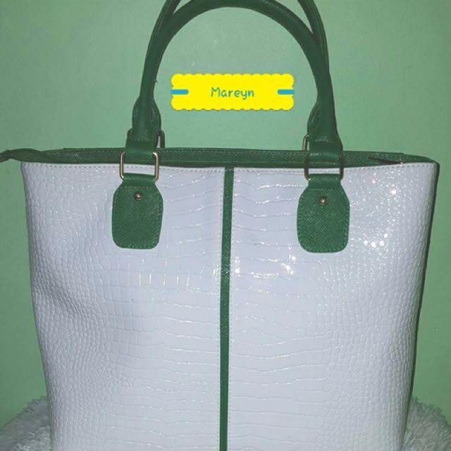 Mareyn hand bag