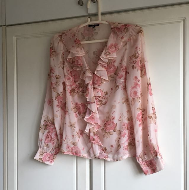 Melt workwear ruffled floral top