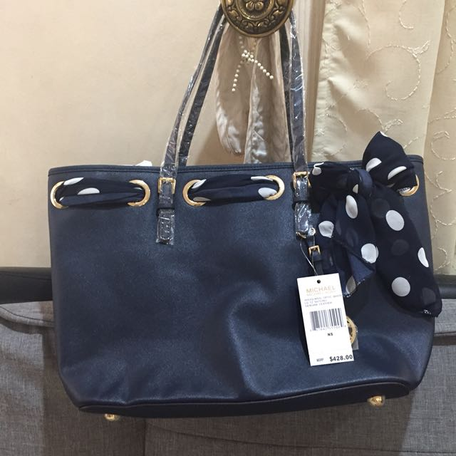 aba68b8691 Michael Kors Navy Blue tote bag with scarf
