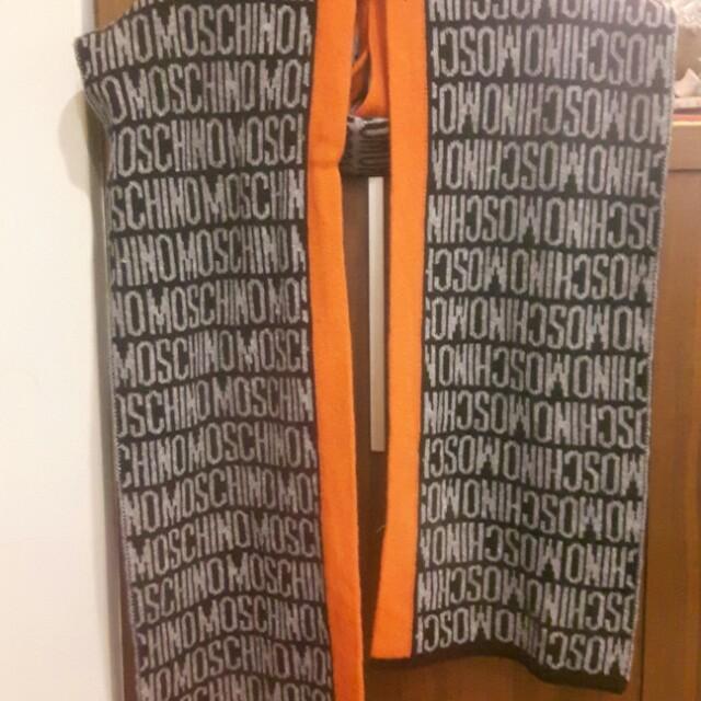 真品Moschino圍巾