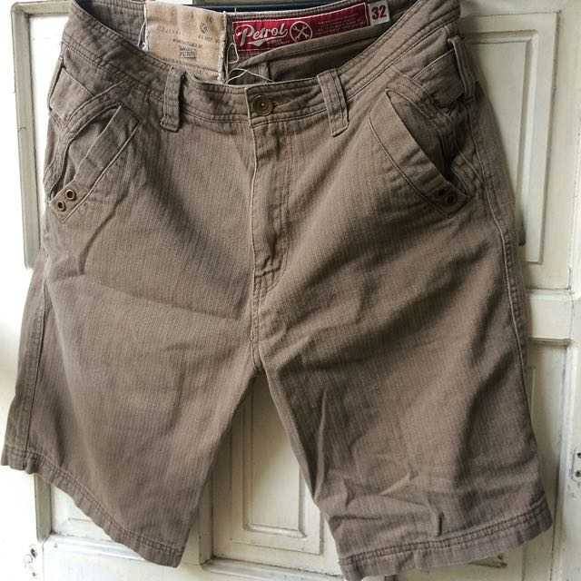 Petrol Casual Shorts Brown Size 32