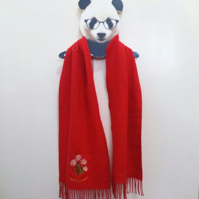 🎁 Red Fringed Swiss Scarf