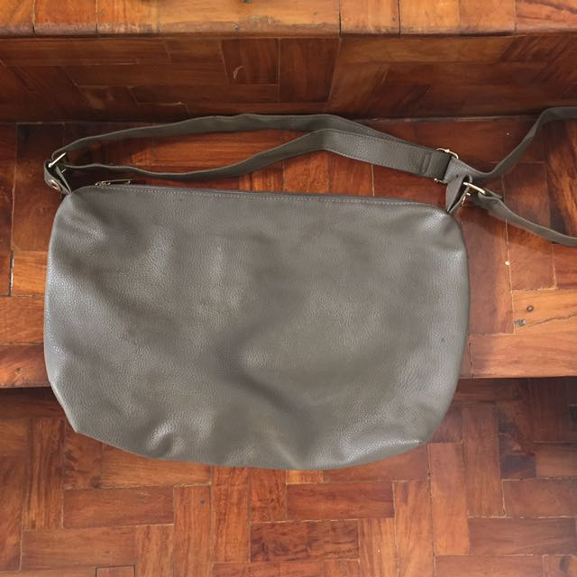 REDUCED PRICE 💖 Aldo Messenger Style Hobo Bag
