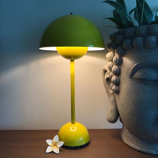 Reduced!Sweden Ollivia Classic Designer Lamp