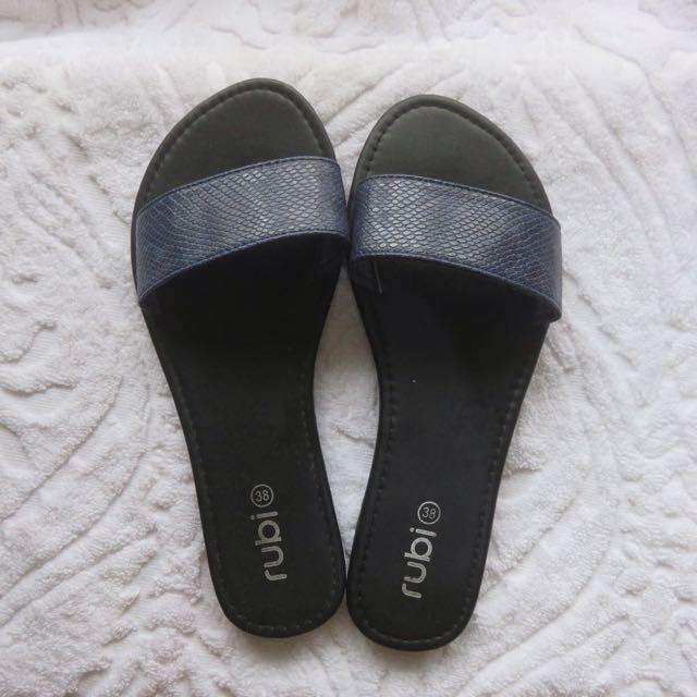 Rubi Slides slippers