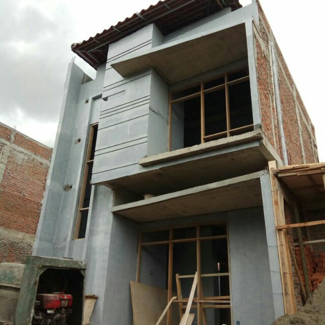 Rumah 2 Lantai di Jatiasih Bekasi Free biaya2 ada Kolam Renang