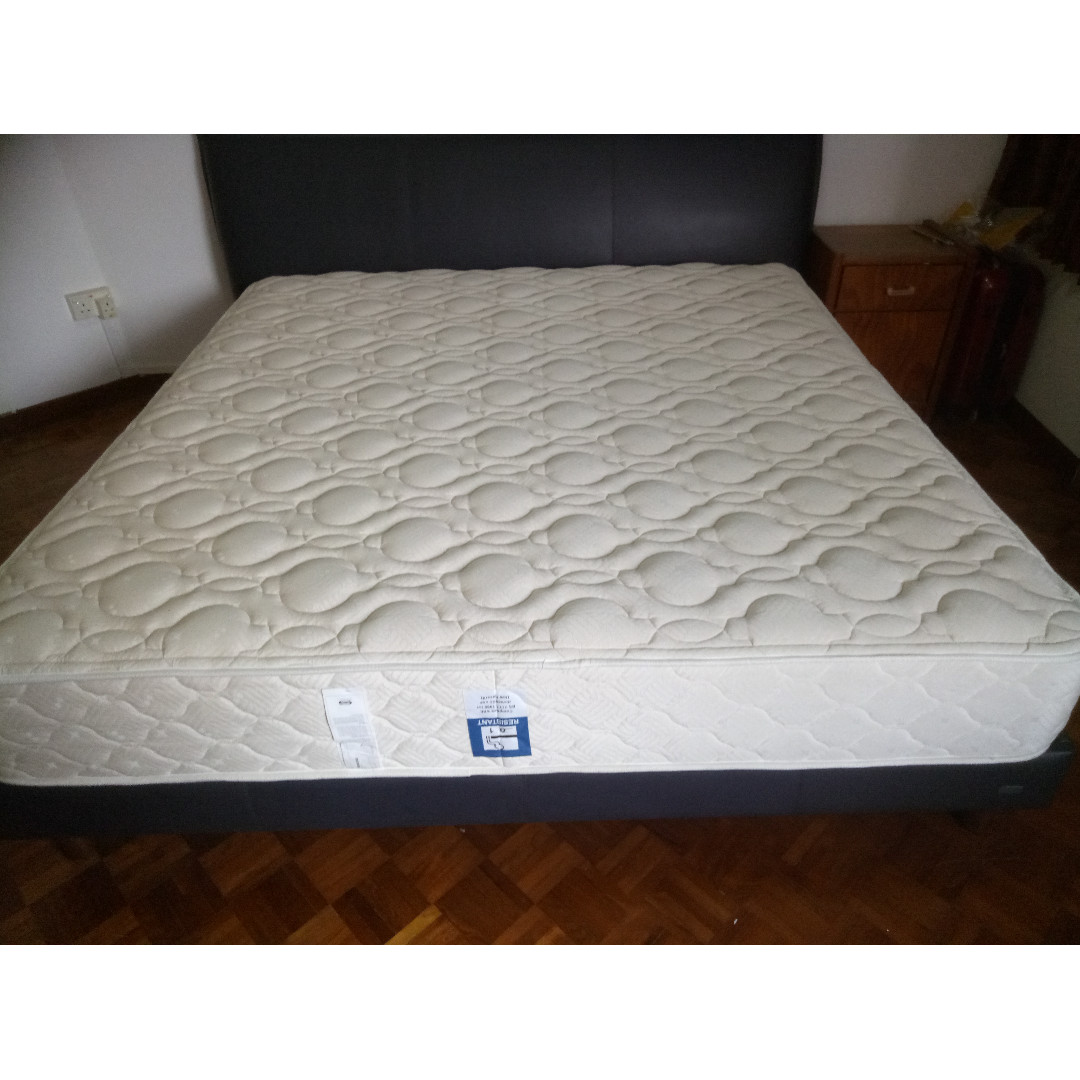 best service bc6aa 85522 Simmons super king size Mattress /frame/headboard/ for sale