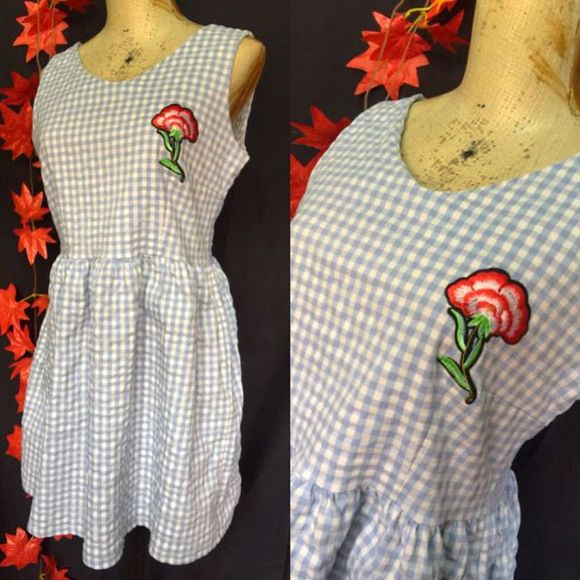 Stretched plaid dress size med