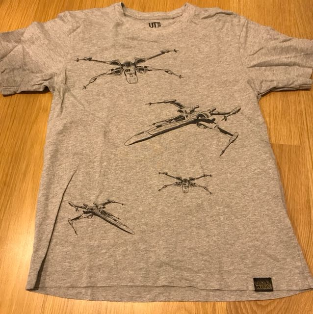 Uniqlo Star Wars Grey T size S