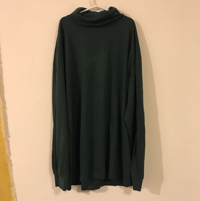 VINTAGE OVERSIZED GREEN TURTLE NECK