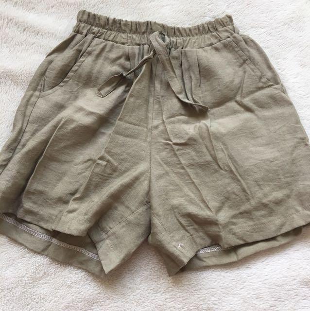 ⚫️XS/SMALL khaki Shorts