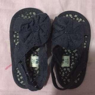 Mothercare prewalker shoes size 3uk