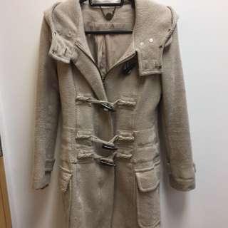 Ju's coat