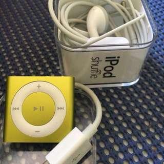Ipod shuffle green 2g 4th generation