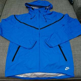 🚚 Nike 男生超輕薄防潑水連帽風衣 藍