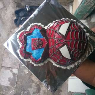 karakter cake spiderman