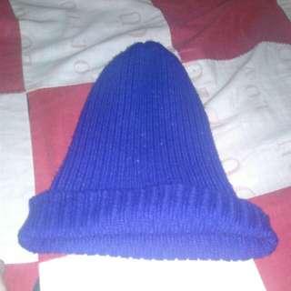 topi kupluk biru