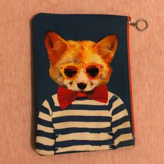 Still and Chew Fox Pouch