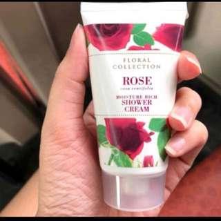 Mark & spencer rose shower cream 50ml