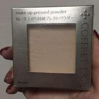 Kanebo coffret d'or make up pressed powder