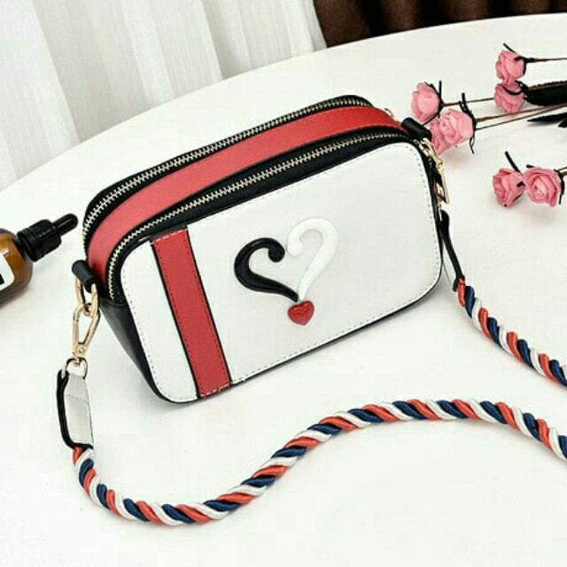 02-01 FASHION BAG DESIGN 18269