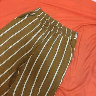 條紋黃色寬褲