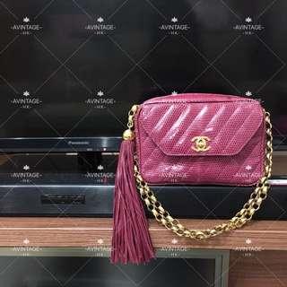 (SOLD)Chanel Vintage 紫紅色蜥蜴皮流蘇Camera Bag