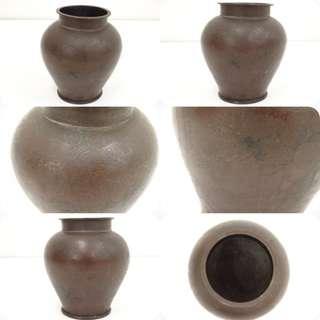 🚚 【日本茶道具 古物 銅松地紋花瓶】