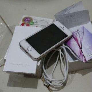 Iphone 5s 32gb fullset no hf ex inter LL/A tt/bt oppo atau iphone 6 minus gapapa