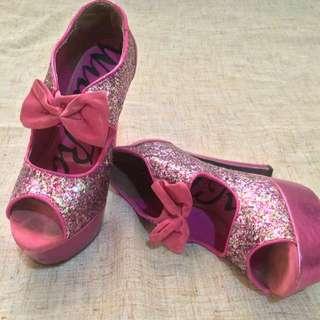 Hot Pink Heels 💕