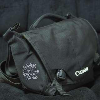 Canon Crumpler 5 Million Dollar Home Camera Bag