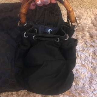 💜 Pre-loved Authentic Gucci Shoulder Bag 💜