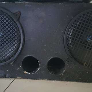 Dual subwoofer and amplifier