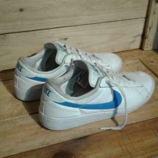 Nike clasic
