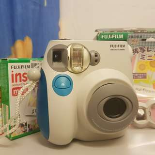 Fujifilm Instax Mini 7s  (includes Macro lens & 10pc Instant Film)
