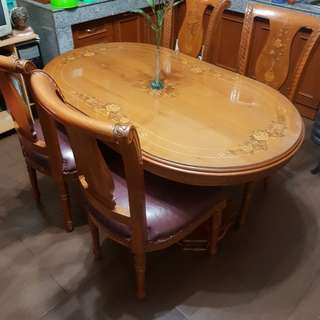 Meja makan jati dengan kursi 4