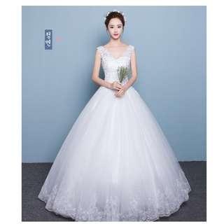 韓式雙肩V領蓬蓬裙齊地婚紗