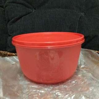 Tupperware bowl besar