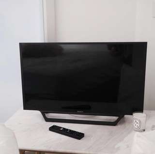 """Sony W60D 32"""" HD LCD LED TV"""