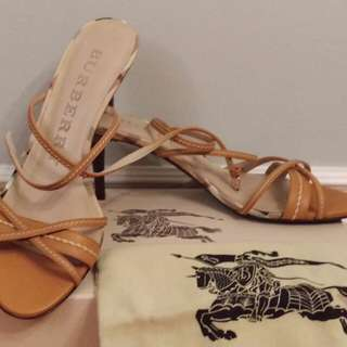 Authentic New Burberry haymarket strappy shoes sandals sz 40