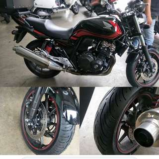 Honda CB400 fitted with Michelin Pilot Road 4 120/60-17 & 160/60-17 ($420)