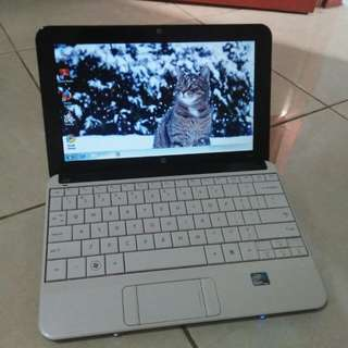 Notebook hp mini 110M putih mulus batre awet