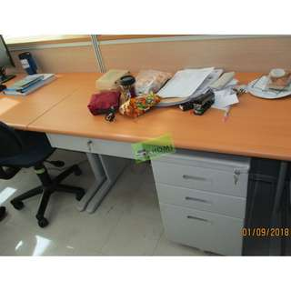 FST OFFICE TABLE 33 WITH CSL DRAWER & MOBILE--KHOMI