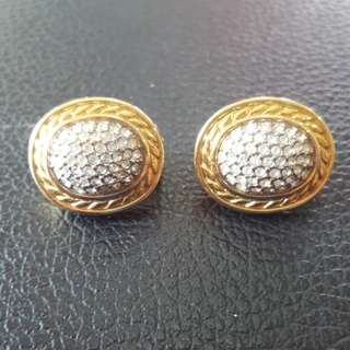Authentic Burberrys Earrings Clip on